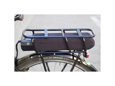 FAHRER Battery Cover Shimano Rack Fits SHIMANO STEPS rack battery BT-E6000 and BT-E6001. Does not fit Shimano Steps BT-E8020. Extends the battery capacity on cold days Black