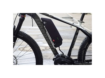 Fahrer Battery Cover, Shimano, Frame Fits SHIMANO STEPS frame battery BT-E6010. Does not fit Shimano Steps BT-E8020. Extends the battery capacity on cold days Black